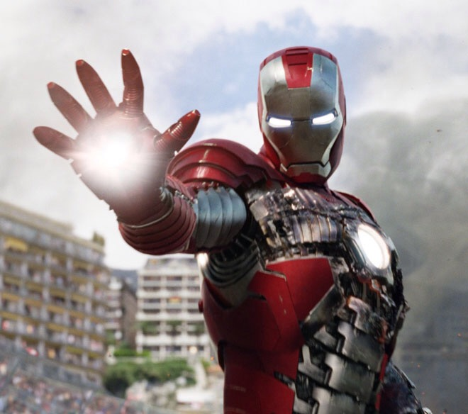 Fans The Avengers ini Menciptakan Laser Tangan Mematikan ala Iron Man